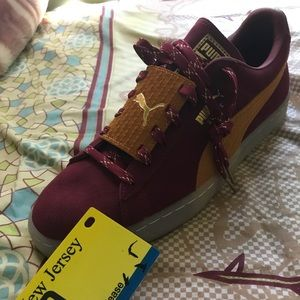 Puma sneakers never worn